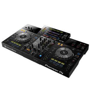 PIONEER XDJ-RR เครื่องเล่น มัลติมีเดียเพลเยอร์ สำหรับ ดีเจ เล่นไฟล์เพลงได้ทั้งแผ่น CD Audio และ เล่นผ่านพอร์ต USBเล่นไฟล์ได้หลายรูปแบบ (MP3, AAC, WAV,AIFF)