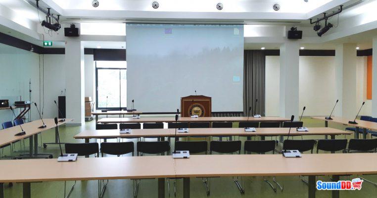 ผลงานการติดตั้ง ระบบเสียง-ภาพ ห้องประชุมโรงเรียนนานาชาติกรุงเทพ รับบริการออกแบบ และติดตั้ง ระบบเสียง และระบบภาพ เช่น ไมโครโฟนห้องประชุม